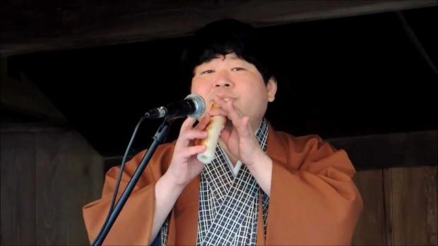 <面白映像>ちくわが楽器に!ちくわ笛