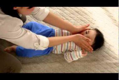 赤ちゃんから始める手遊び あたま、かた、ひざ ポン