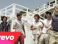 <人気洋楽でテンションUP♪>One Direction – What Makes You Beautiful